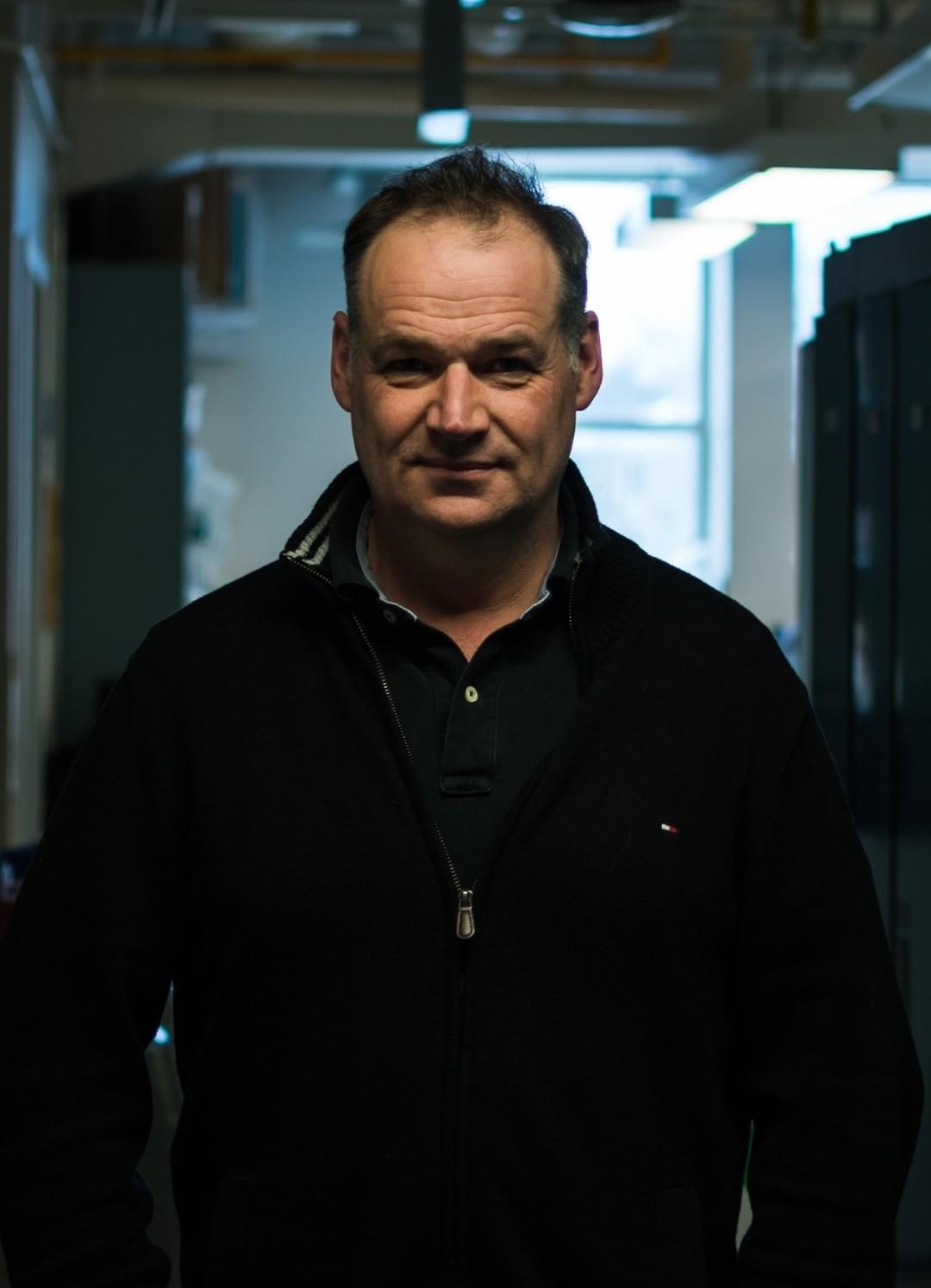 Dr. Neil Renwick